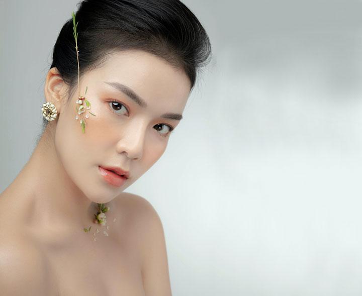magic asian woman