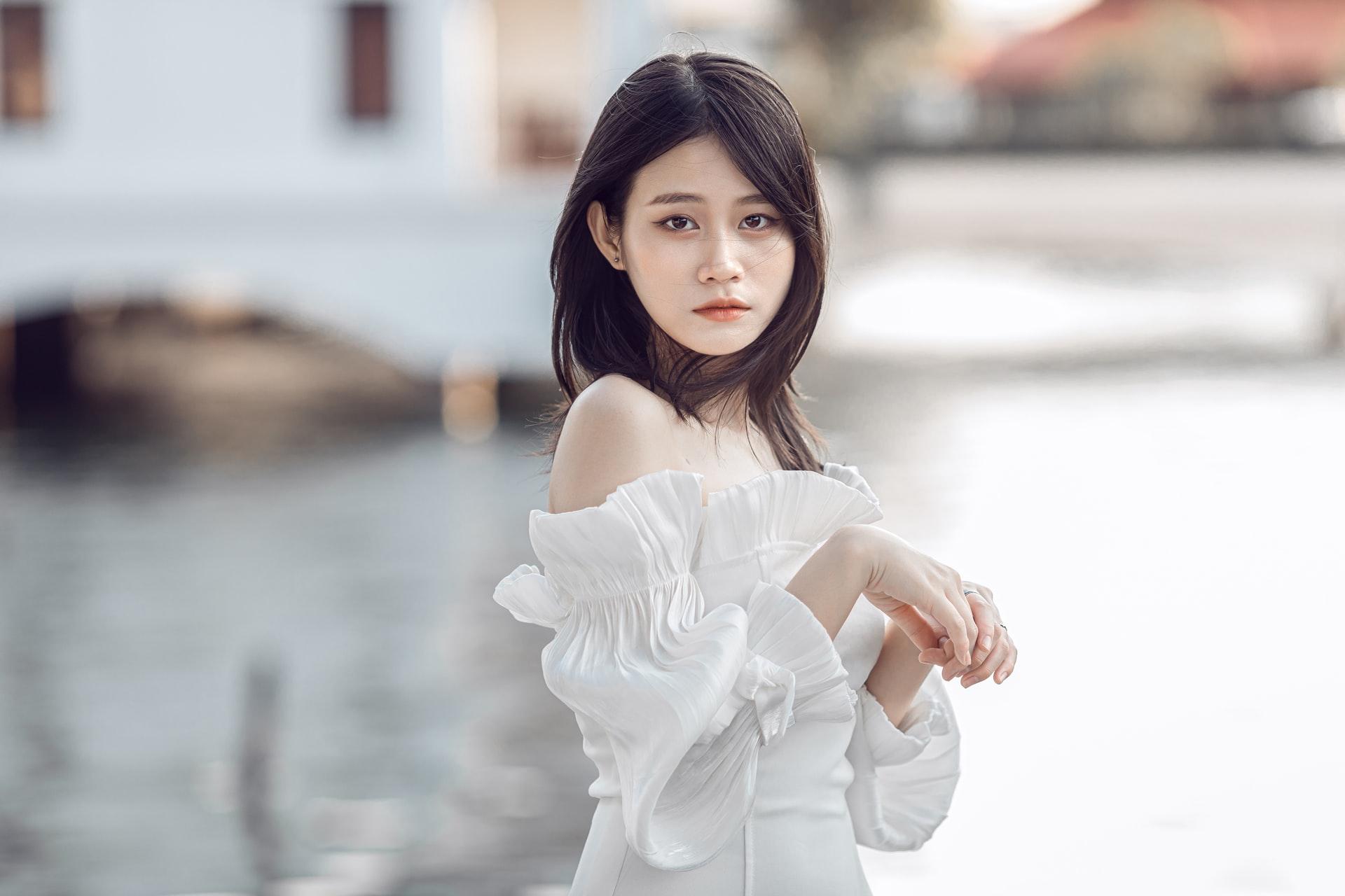 tender Chinese bride